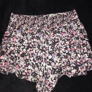 ❣️AEO patterned shorts